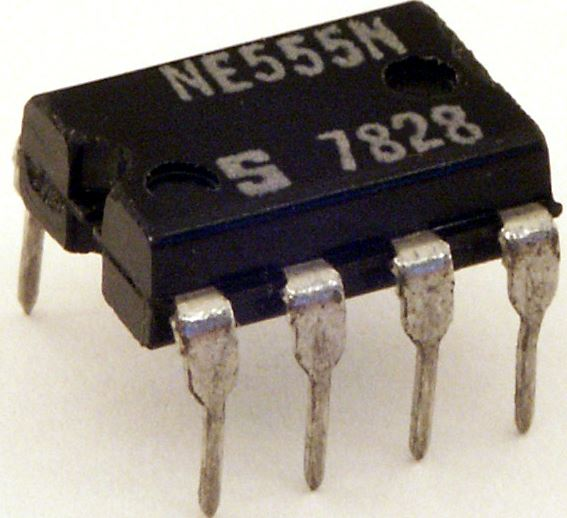 Pin configuration of timer IC